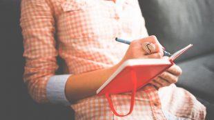 復縁したい方におすすめのおまじない!未来日記を書くことの効果